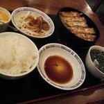 麒麟坊 - 鉄鍋餃子定食