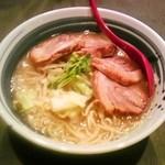 吾郎 - 豚マッチョらぁ麺750円