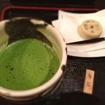ちゃみせ 茶るん - 宇治抹茶セット  絵本作家の方にも出会えて満足。