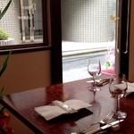 ル・プチワゾー - テーブル席