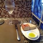 ソラリア - パンとオリーブオイル