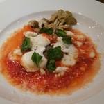 リストランテ ラヴィータ - 牛肉のトマト~モッツァレラチーズソース~