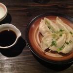 来入華 - 料理写真:水餃子450円