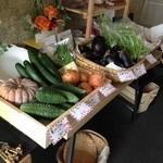 スイートトマト - 店内では無農薬野菜の販売も