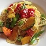 ドルチェ ファール ニエンテ - 鎌倉野菜のアーリオオーリオ。色とりどりのお野菜が鮮やか。