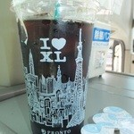 21194318 - アイスコーヒー XLサイズ 320円 【 2013年9月 】