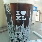 21194323 - アイスコーヒー XLサイズ 320円 【 2013年9月 】