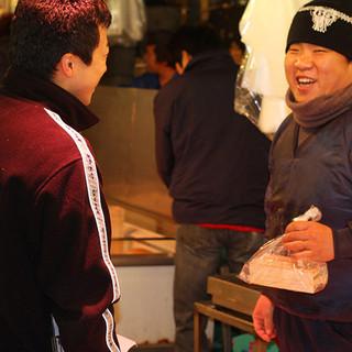 毎朝市場で目利きした魚介類を中心に、こだわり食材が集合!