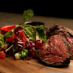 ニック - アンガス牛ハラミの肉塊グリル