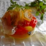 ミッシェル ナカジマ - 鰺のマリネ 赤・黄ピーマンと玉葱のあまみとソースで頂きます ☆3.2
