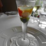 ミッシェル ナカジマ - 彩りトマトと蝦 大葉のソースと檸檬のジュレでサッパリと ☆3.2