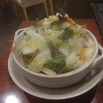 健康中華庵 青蓮 - 土鍋でジュージュー!!カ・タ焼きそば:987円