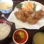 山賊鍋 - 鶏からあげ定食(798円)