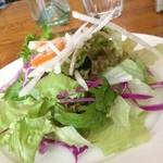 パーレンテッシ - セットのサラダ