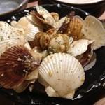 宮崎県日南市 塚田農場 渋谷本店 - 姫ホタテのバター焼き こいつっぁワインがすすむぜ!
