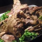 アロヒディン - 「ウズベキスタン流ひつじまるまるコース」の羊肉