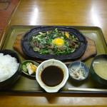 ドライブインかに精 - 料理写真:スタミナ定食1000円