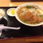 豚太郎  - 味噌ラーメンON THE かつ