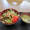 たぎり - 料理写真:暫く待つと筑豊名物のホルモンを使ったピリ辛ホルモン丼500円の出来上がりです。