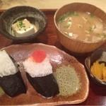 こめぐに - 豚汁セット おにぎりは明太子と紅鮭