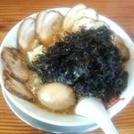 滋魂 - 岩海苔中華+チャーシュー+煮玉子