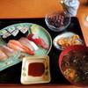 西山パーキング(下り)レストラン - 料理写真:2013年9月15日(日) 寿司ランチ(850円)