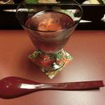 宏楽園 - 料理写真:食前酒 : 紫蘇の香りが良い。薬臭さは無く甘くて飲みやすい。