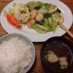 ニジコ - ランチ  えびの塩炒め定食(きのこ抜き)