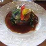 ブレーメン - 料理写真:和牛の手ごねハンバーグ¥1365の「メインプレート」