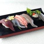 でかねた寿司 - 秋の6種盛り 880円→800円