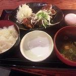 とり鉄 - 鶏もの肉の山賊焼き定食(880円)