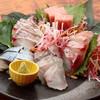 あしあと - 料理写真:三崎港直送を中心に鮮魚もりだくさん『本日鮮魚のお造り』