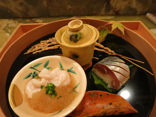 車力門 ちゃわんぶ - 前菜盛り合わせ 雲子 松輪の鯖棒鮨など