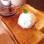 くりの木 - 料理写真:メイプルトースト♪