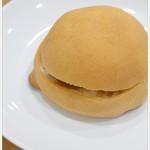 アジア製パン所 - 料理写真:たまごパン・・・焼栗あん&生クリームをトッピング