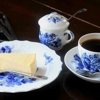 チーズケーキとブレンドコーヒー(5 番町)のセット