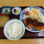 えびす食堂 - 料理写真:とんかつ定食(700円)