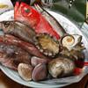 魚寅食堂 - 料理写真:漁港から新鮮な魚が届きました。