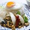 タイかぶれ食堂 - 料理写真:一番人気!鶏挽肉バジル炒め目玉焼きのせごはん