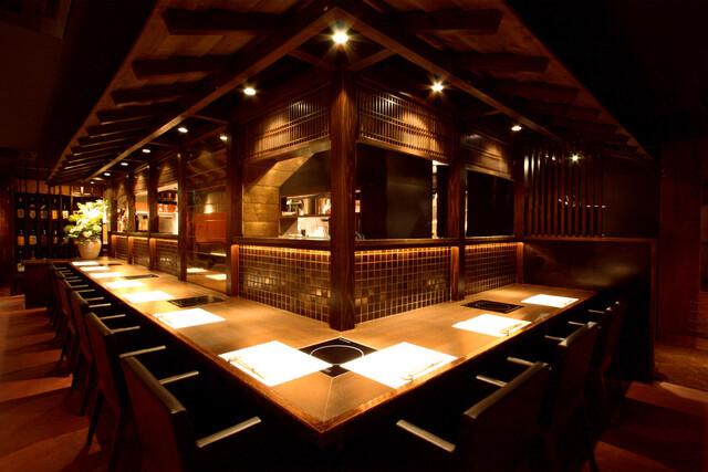 https://tabelog.ssl.k-img.com/restaurant/images/Rvw/21662/640x640_rect_21662939.jpg