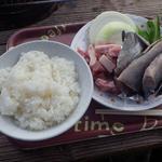 島っ子食堂 - ご飯(ドンブリ)がついた