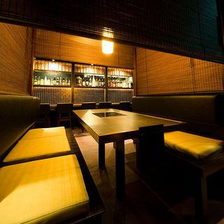 黄金屋 - 廉で仕切って半個室 6名様までのテーブル席