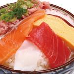 どんまる - 満腹丼590円