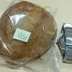 自家製酵母パン WAKU - ライ麦・プレーン 150円