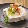 名もなき店 自然生物語 - 料理写真:名物!自然生とろろ入り自家製豆腐 650円