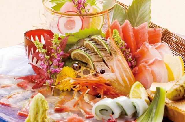 https://tabelog.ssl.k-img.com/restaurant/images/Rvw/21774/640x640_rect_21774893.jpg