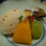"""個室会席 北大路 - """"水物:栗のアイスクリームと季節のデザート"""""""