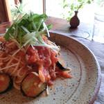 ウキカフェ - 料理写真:秋パスタ、ナスとキノコのトマトソース
