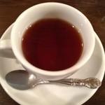 マリンバ カフェ - 食後の紅茶。 ふつう〜