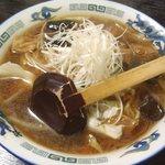 かなや - ホルモンらー麺(醤油味);醤油の焦げ味が香ばしい @2013/10/11